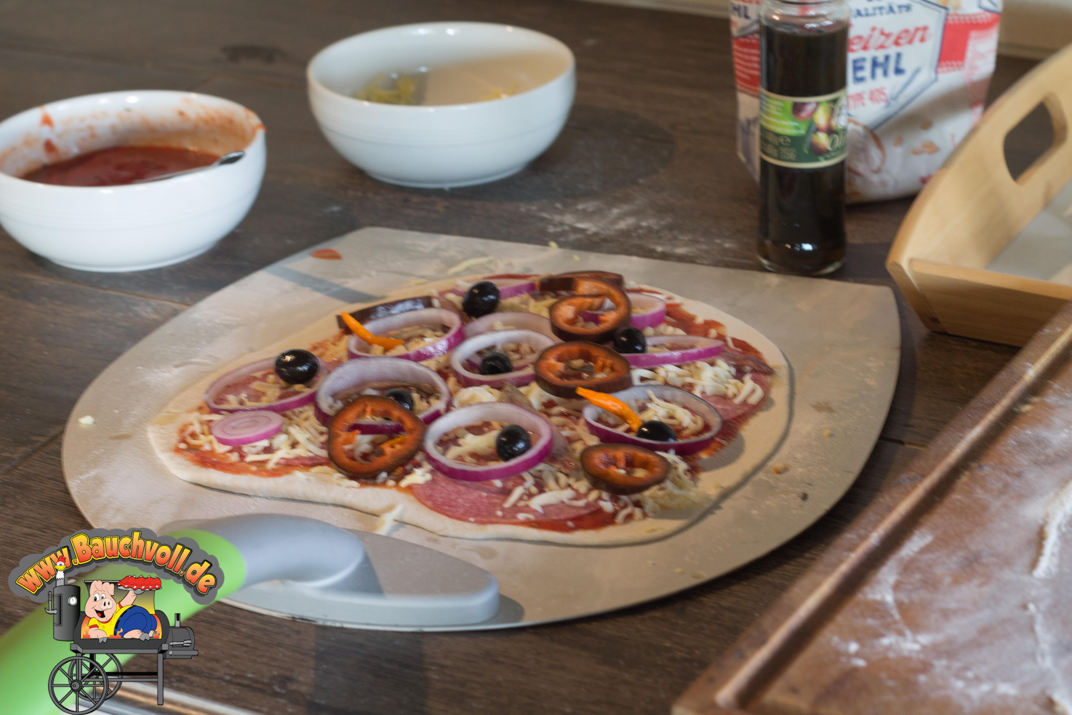 Pizzastein Für Gasgrill Outdoorchef : Pizza vom grill ohne pizzastein geht nix einfach und lecker